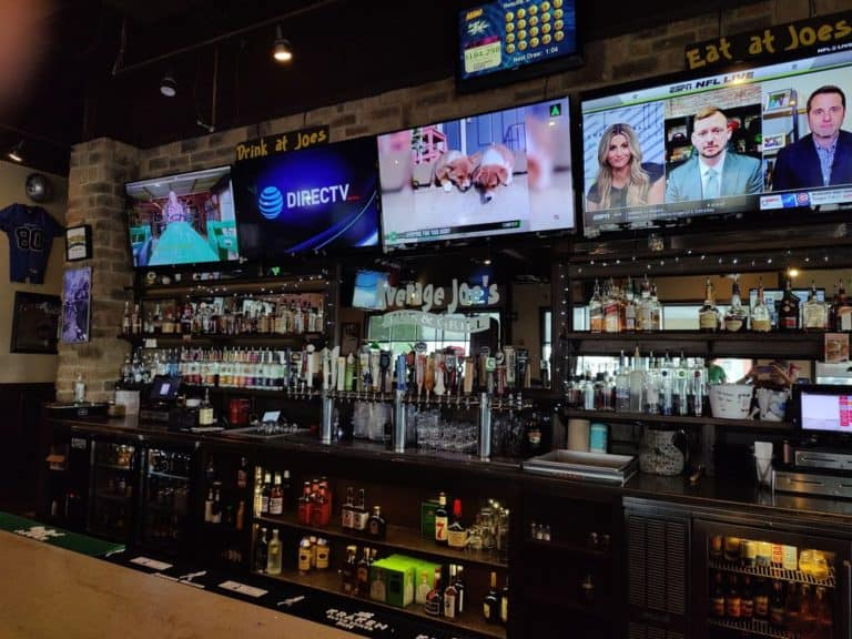 average joes pub and grill columbus 2 1 768x576