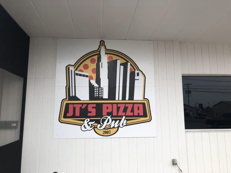 jts pizza and pub columbus 1 768x576
