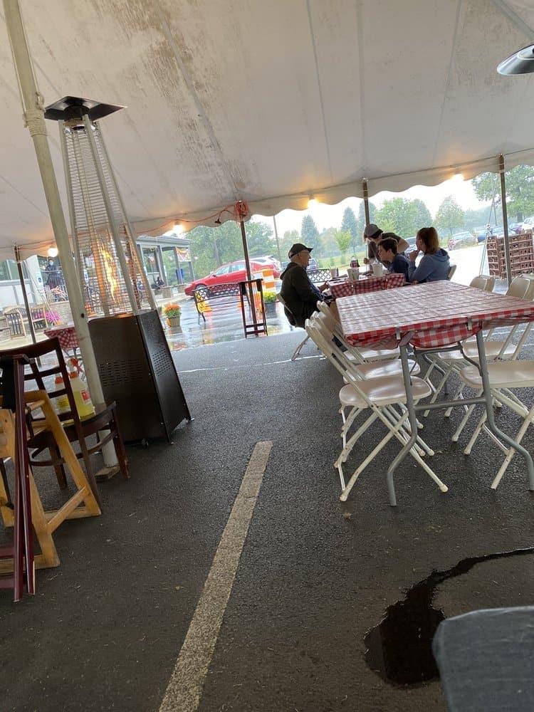the hometown breakfast bar and grill breinigsville 1